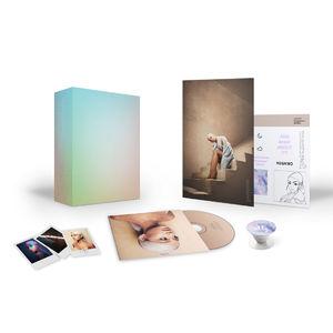 Ariana Grande: Sweetener Fan CD Box