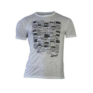 Amy Winehouse: Lioness Antique Radios Men's T-Shirt