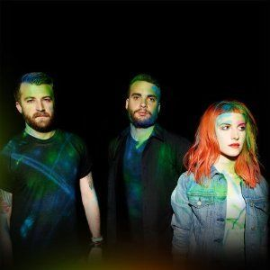 Paramore: Paramore Limited Edition CD + T-shirt Box Set