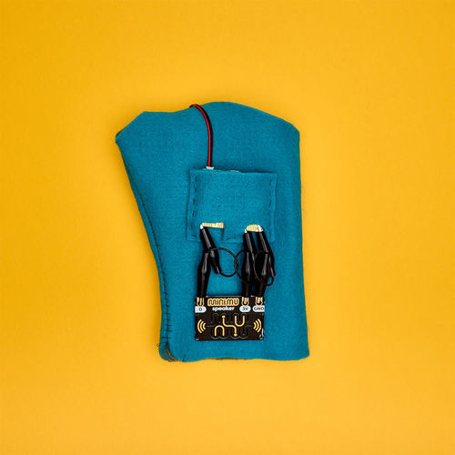 Abbey Road Studios: MINI MU GLOVE WITH MICRO BIT