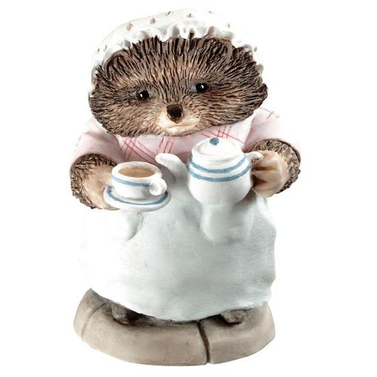 Peter Rabbit: Mrs Tiggy-winkle Pouring Tea - 6cm Miniature Figurine