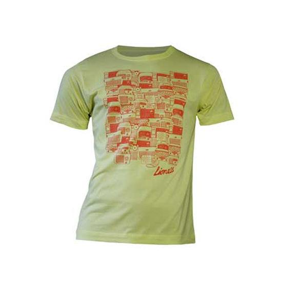 Amy Winehouse: Lioness Antique Radios Yellow Men's T-Shirt