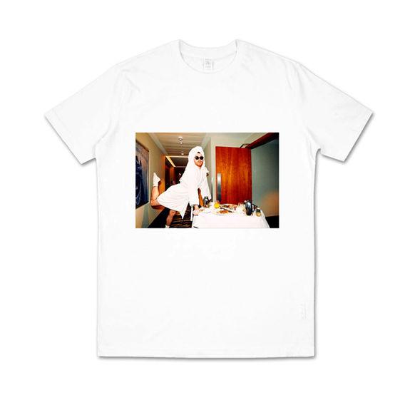 Sam Smith: Bathrobe T-Shirt